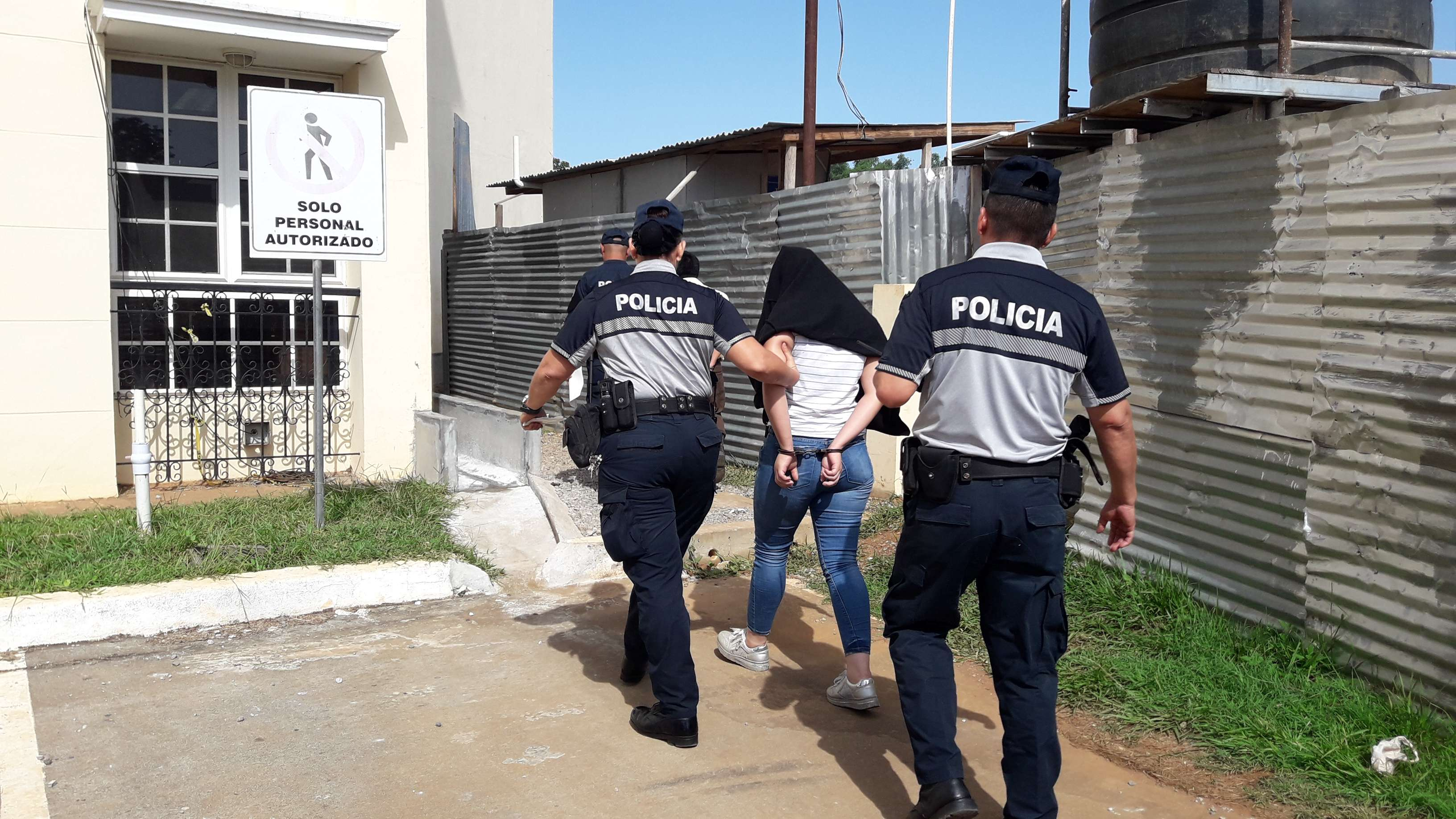 La sindicada fue trasladada al Centro Femenino de Los Algarrobos en en distrito de Dolega en la provincia de Chiriquí. Foto: Mayra Madrid