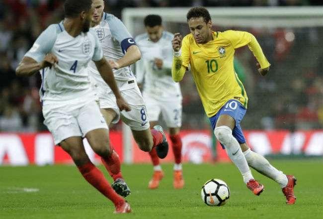 Neymar viene de jugar su primera temporada con el PSG.