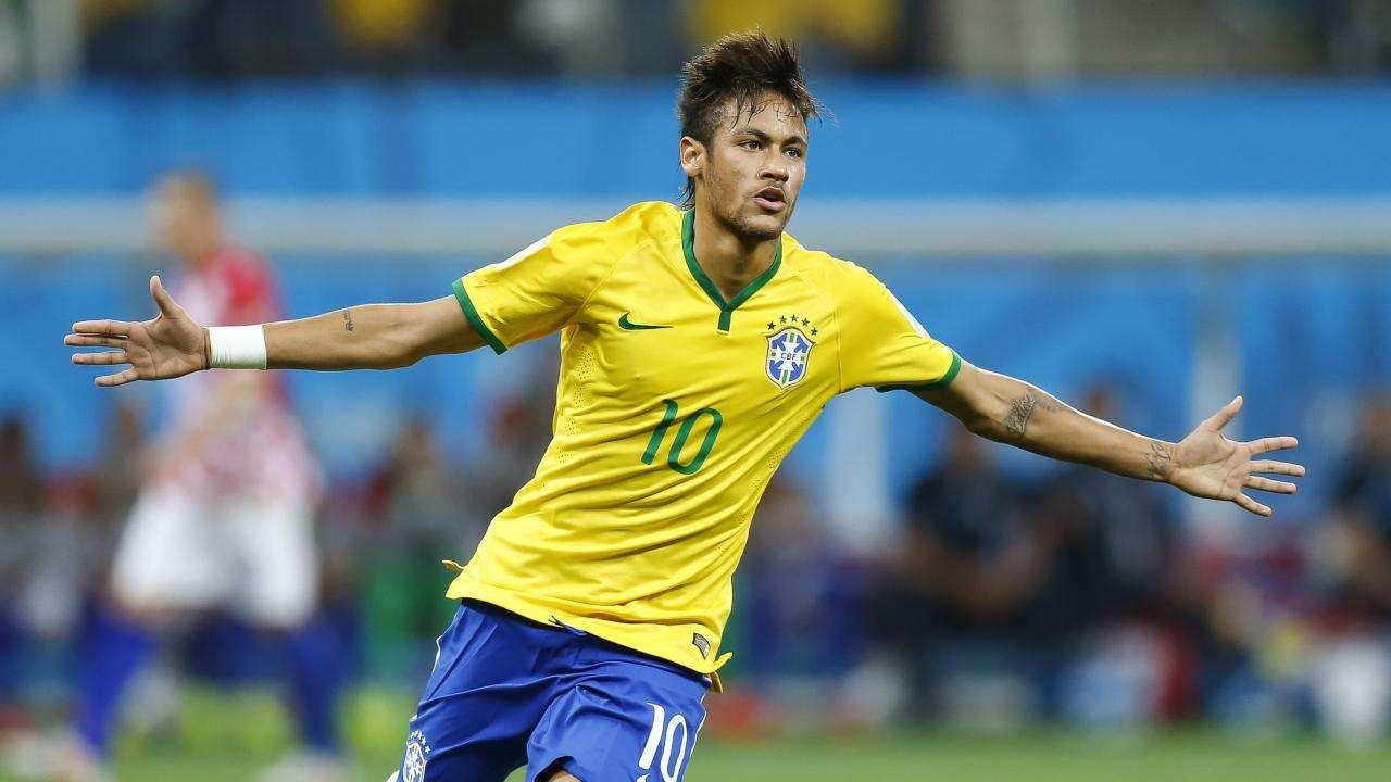 Neymar Jr., estrella de la selección brasileña, se recupera de una lesión. / AP