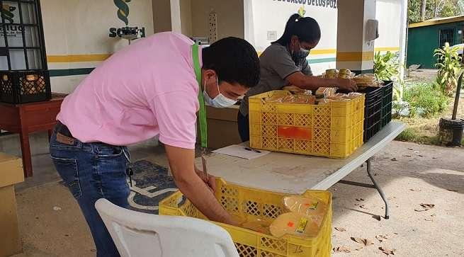 La medida se extendió a centros comerciales, supermercados, y hasta la terminal de transporte de Chitré.