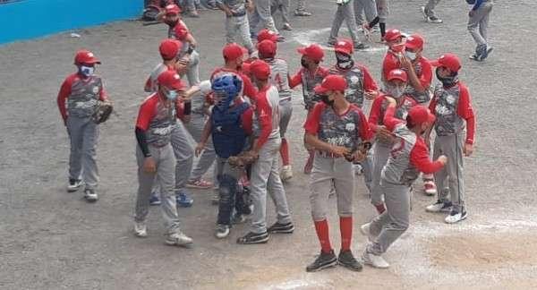 El equipo de Panamá Metro ganó la Zona 4 para ganar el derecho de estar en las semifinales del torneo. Foto: Alexander Santamaría