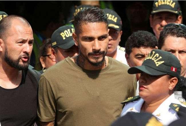 o Guerrero cuenta con el apoyo del presidente de la Federación Peruana de Fútbol. Foto: EFE