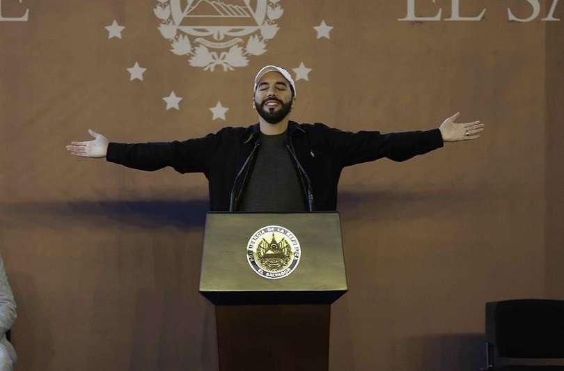 "Nayib Bukele señaló esta acción como un ""intento de golpe de Estado parlamentario"". EFE"