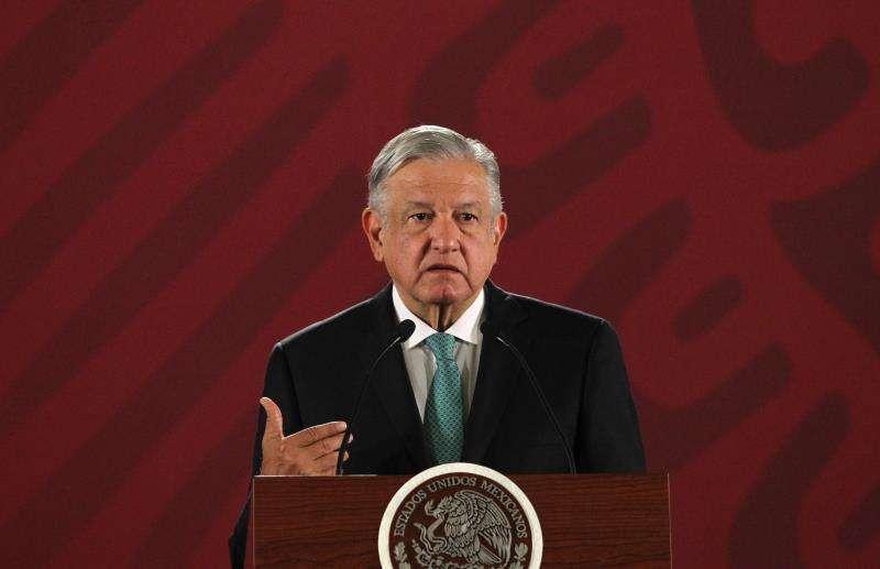 El presidente de México, Andrés Manuel López Obrador, participa en rueda de prensa matutina este lunes, en el Palacio Nacional de Ciudad de México (México). EFE
