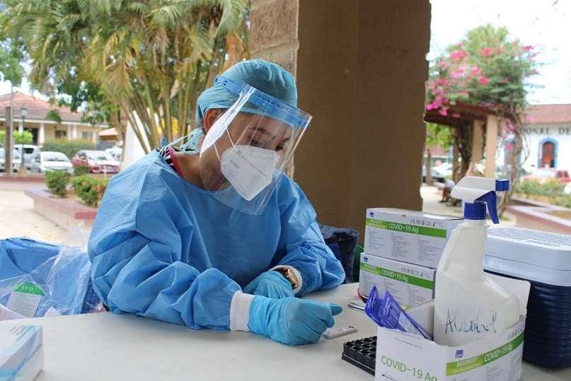 El Minsa reportó hoy que se mantienen activos 6,450 casos de COVID-19