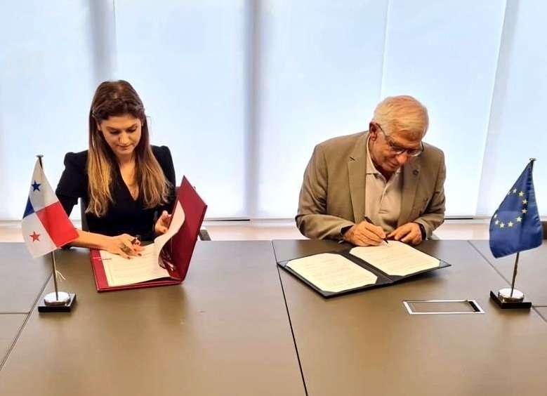 En la imagen a parece la canciler Erika Mouynes y el representante para Asuntos Exteriores y Seguridad de la Unión Europea  Josep Borrel