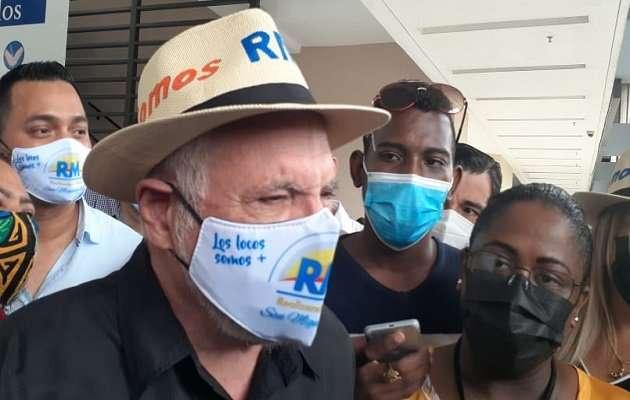 En la imagen aparece el presidente del partido Realizando Metas, ricardo Martinelli.