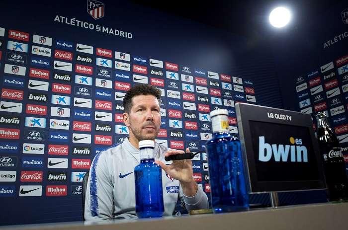 El entrenador argentino del Atlético de Madrid Diego Pablo Simeone, durante la rueda de prensa celebrada esta mañana en la Ciudad Deportiva de Majadahonda./ EFE