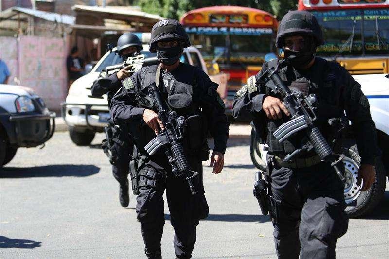 Más de 23.300 agentes que forman el cuerpo de seguridad se encuentran listos para cuidar las elecciones y el escrutinio final. EFEArchivo