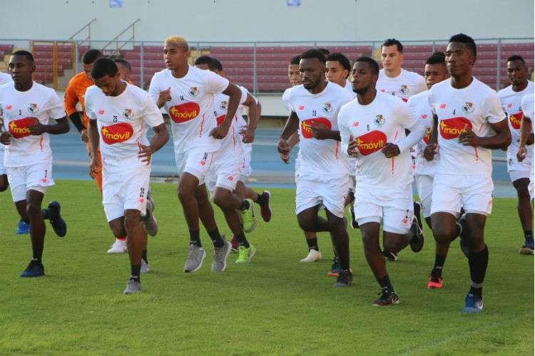 Entrenamientos de hoy lunes en el estadio Rommel Fernández de la ciudad deportiva Irving Saladino. Foto: Fepafut