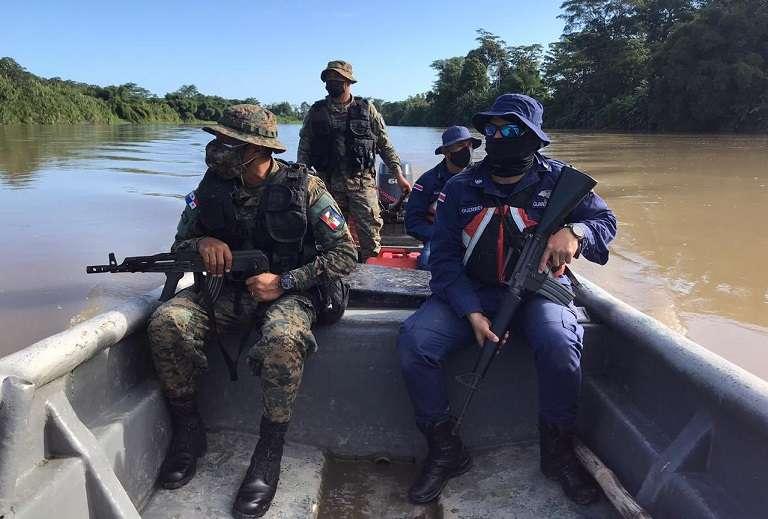 Las unidades del Senafront constantemente patrullan el área fronteriza entre Panamá y Colombia.