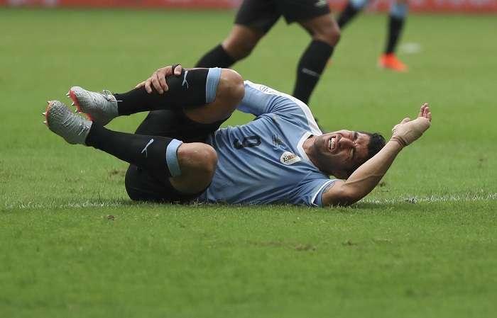 Luis Suárez falló en la tanda de penales./ AP