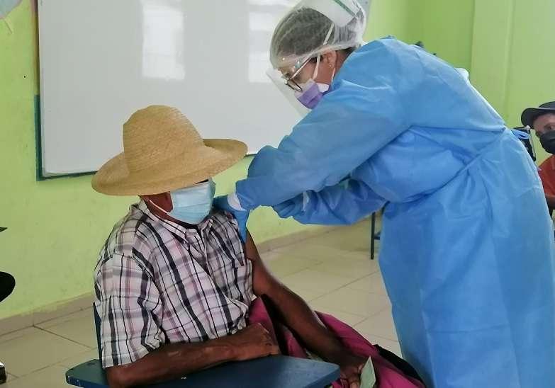 En total entre ambas provincias, 26,670 azuerences han sido vacunados contra la Covid-19, con la vacuna de AstraZeneca.