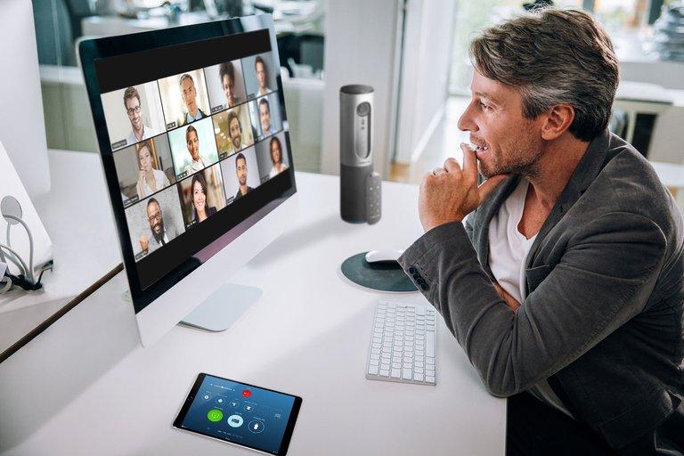 Videoconferencia a través de Zoom.